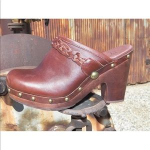 UGG Shoes - New Womens UGG KAYLEE Chocolate Leather Clogs